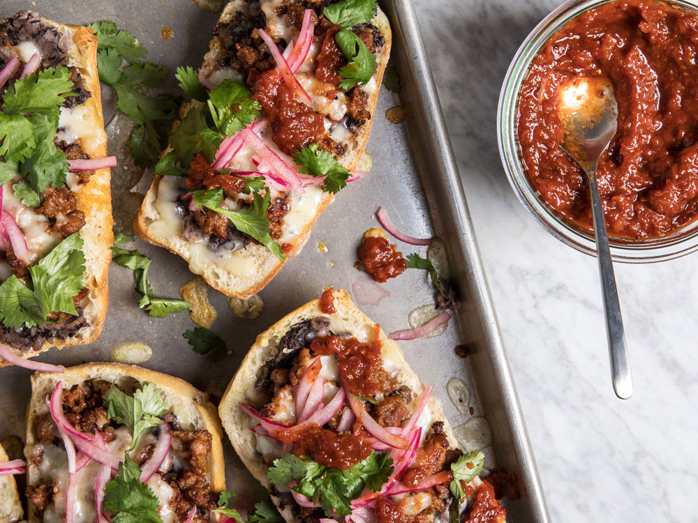 Chorizo Molletes 