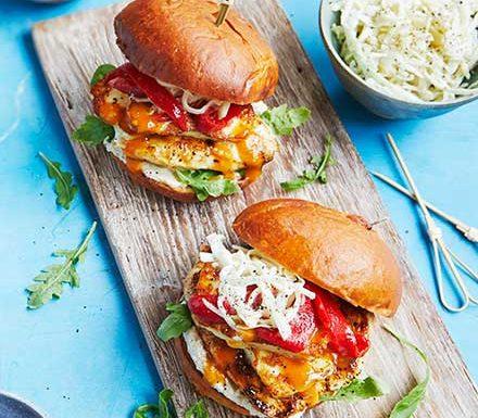 15-minute chicken & halloumi burgers