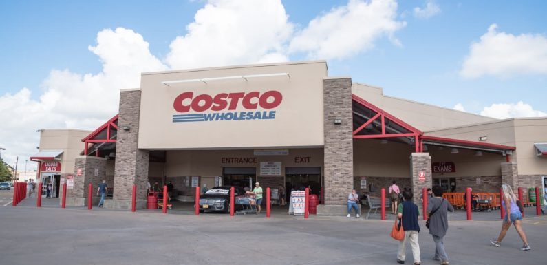The Healthiest Pre-Made Dishes to Get at Costco, According to a Nutritionist