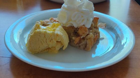 Easy Apple Bread Pudding Recipe