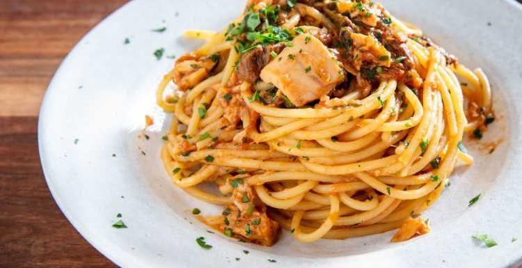 Roman-Style Spaghetti Alla Carrettiera (Tomato, Tuna, and Mushroom Pasta) Recipe