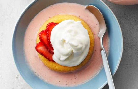 Summer Strawberry Shortcake Soup
