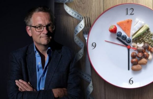 Weight loss: Michael Mosley explains 'The New 5:2' diet plan from Lose a Stone in 21 Days