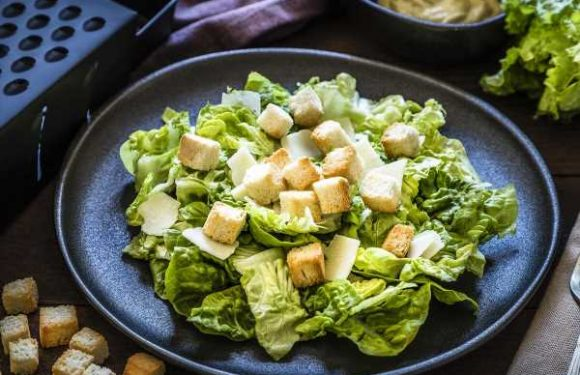 This Crunchy Salad Topper is Why I'll Never Eat Croutons Again
