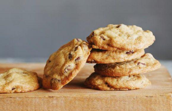 Extra-Crispy Chocolate Chip Cookies