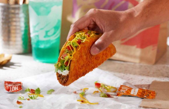 Taco Bell's Toasted Cheddar Chalupa Is Coming Back To Menus And This Time There's A Vegetarian Version Too