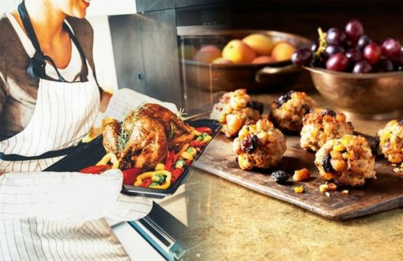 Best stuffing recipe: Chef shares a simple recipe to make stuffing for Christmas dinner