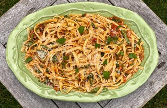 Fettuccine with Smoked Tomato Sauce