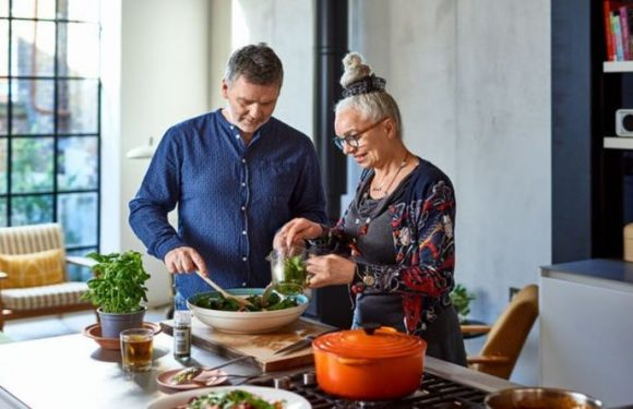 Dr Michael Mosley shares best foods to slim down: 'Eat right foods' rather than 'restrict'